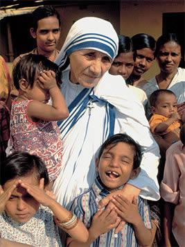 Madre+Teresa+con+ni%C3%B1os