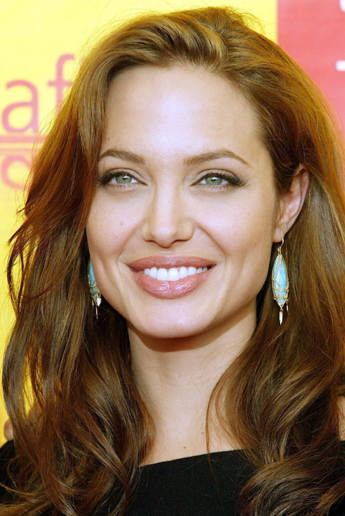 Angelina_Jolie_185531g